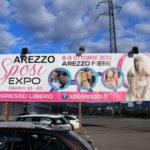 Scatta Expo sposi: dopo le unioni civili, maxi cartellone con coppie gay e etero