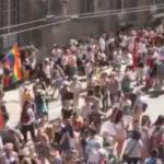 Genova si colora d'arcobaleno con il Liguria Pride