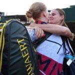 Wimbledon 2018, il bacio tra Alison Van Uytvanck e la fidanzata dopo la vittoria contro Garbine Muguruza