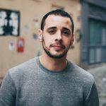 Una mini-serie con protagonista un cantante gay che partecipa all'Eurovision, fa litigare Francia e Israele